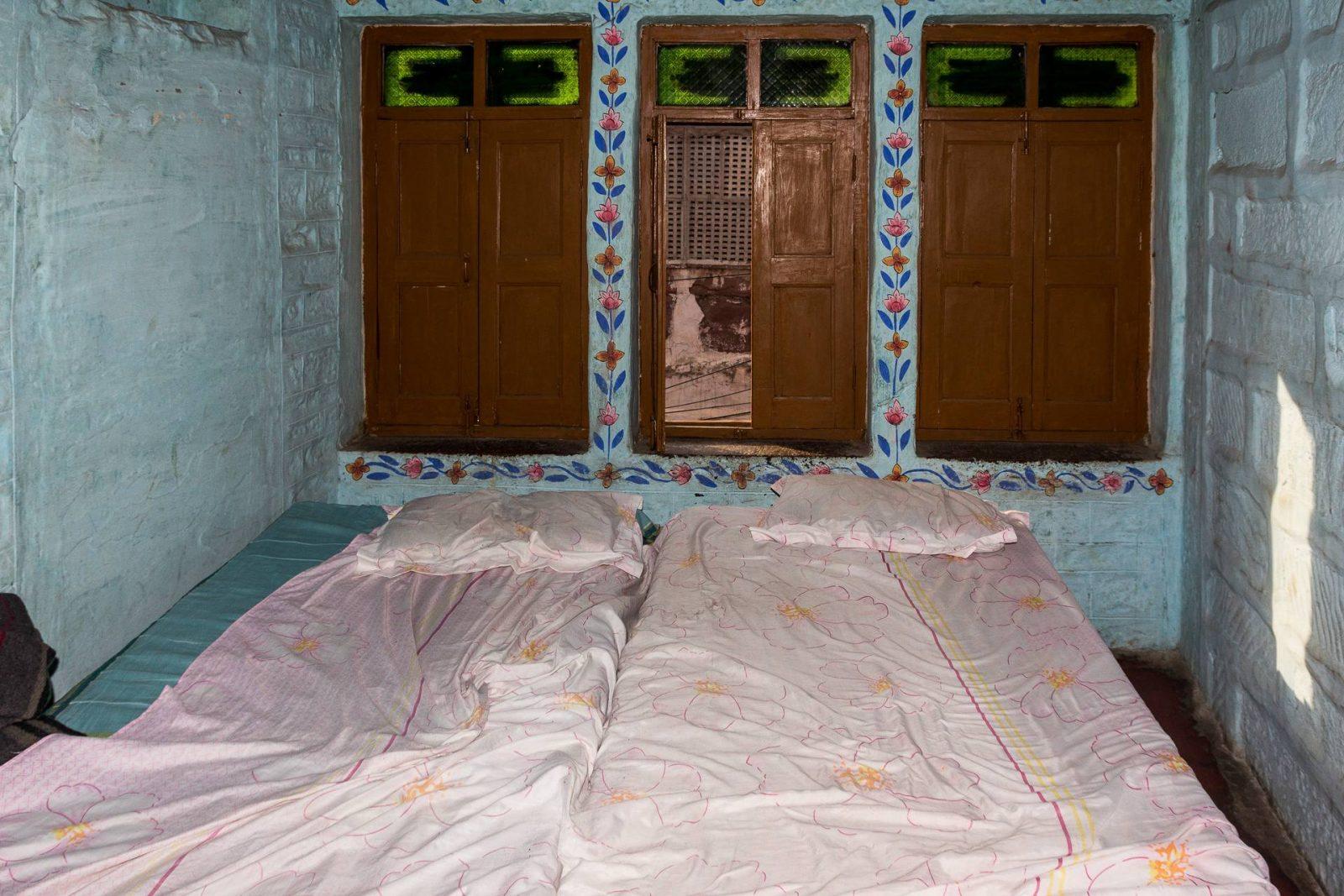 Pokoj v tradičním malovaném domě