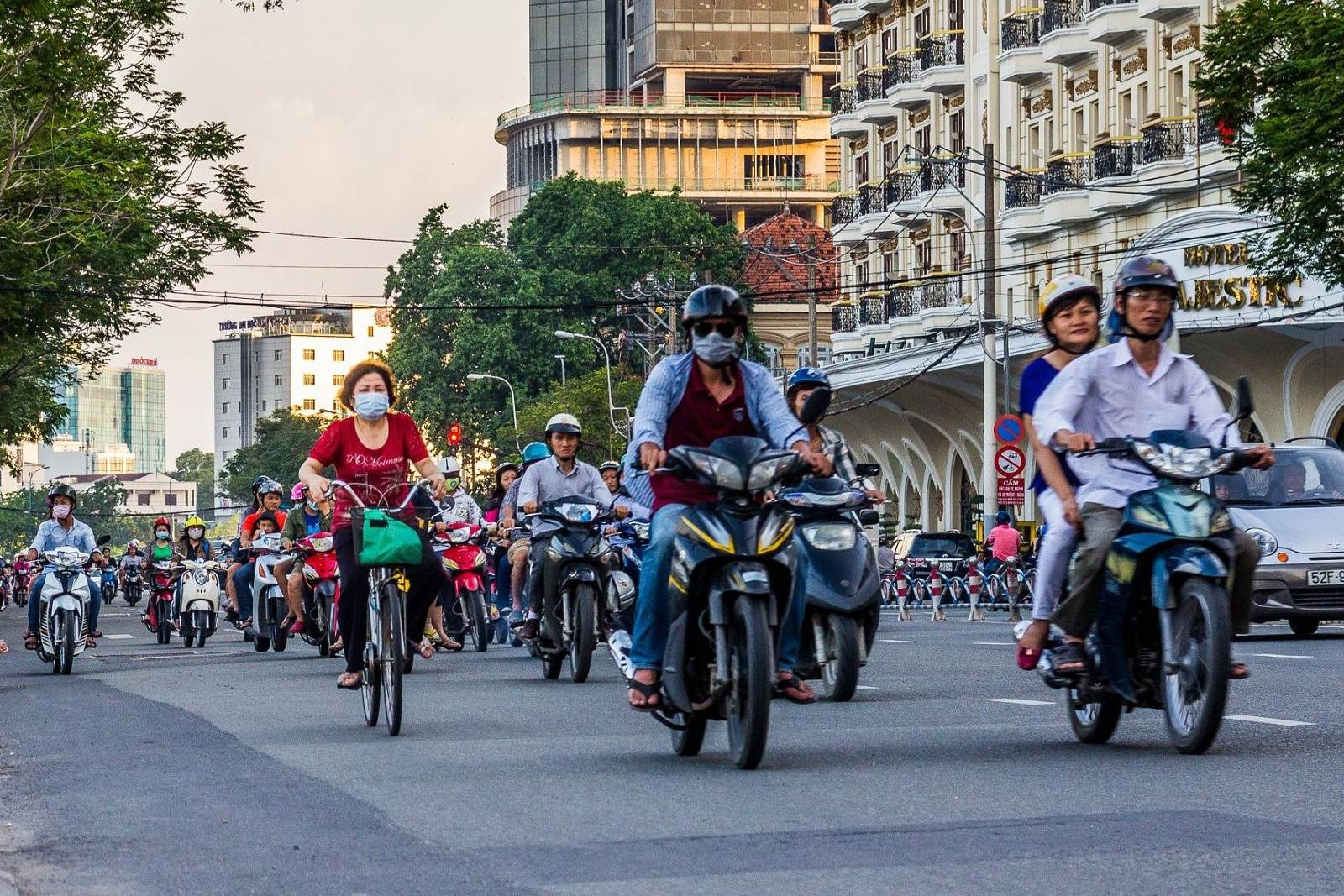 Vietnam 1 – Pohostinný Saigon a první ochutnávky jídla i dějin