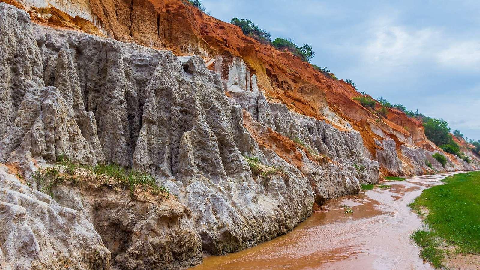 Vietnam 4 - Pohádkový kaňon, Rudé duny a rybáři v Mui Ne