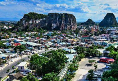 Vietnam 11 - Posvátné Marble Mountains, bílý Buddha a nejstarší strom