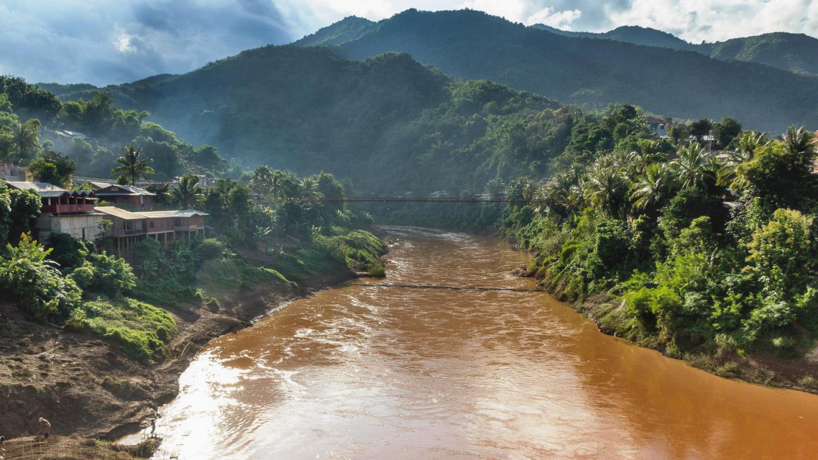 Laos 1 - Přivítáni v Muang Khoa