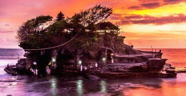 Indonésie 5 - Severní okruh Bali a Tanah Lot v západu slunce