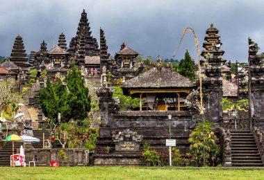 Indonésie 6 - Východ Bali - Besakih, Amlapura, Amed - chrám, rýže, moře
