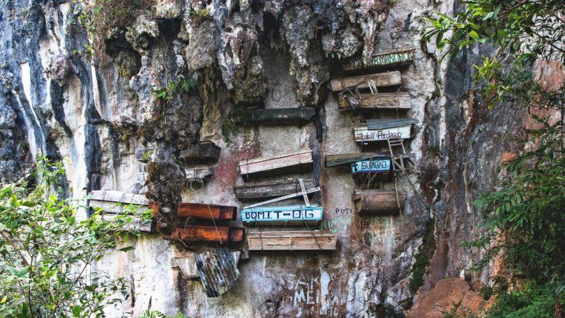 Horská Sagada – treky, vodopády a zavěšené rakve
