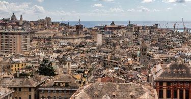 Historicko-trhovecká Mantova, dopravně pekelný Janov a rozdivočelé Levantské pobřeží